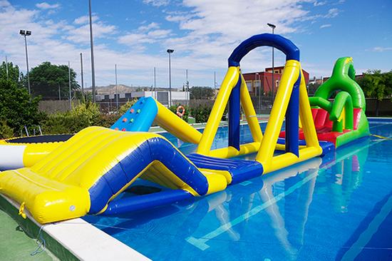 castillos hinchables y piscinas controversia